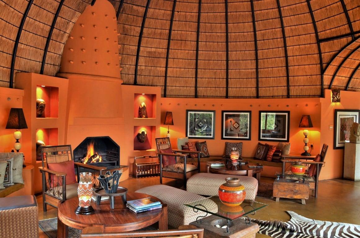 Main Lodge interior at Hoyo Hoyo