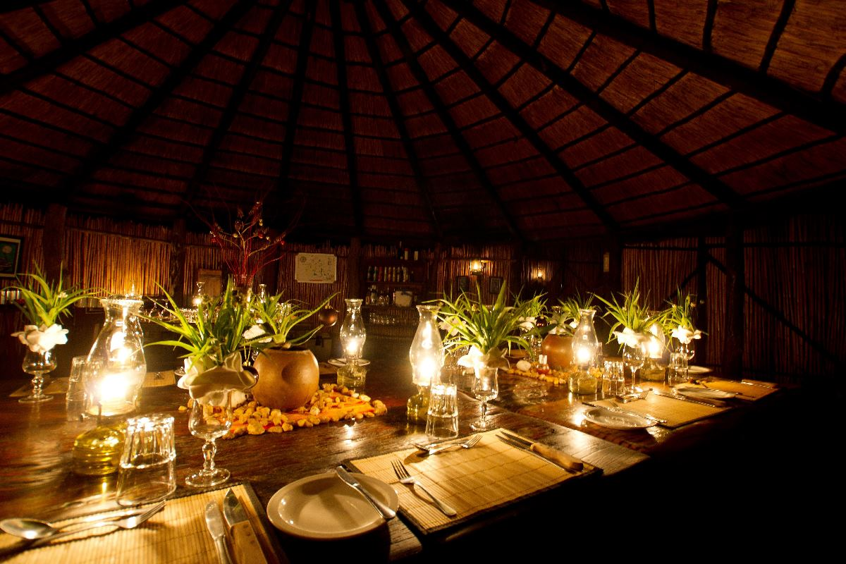 Spectacular dinner setting at Umlani