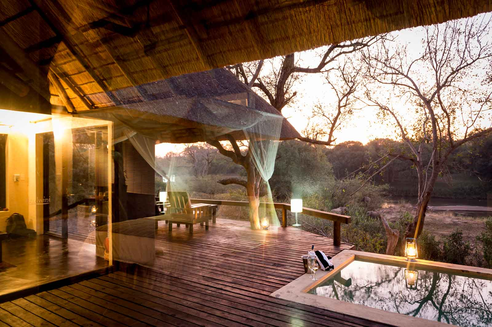 Ezulwini River Lodge suites overlook the Olifants