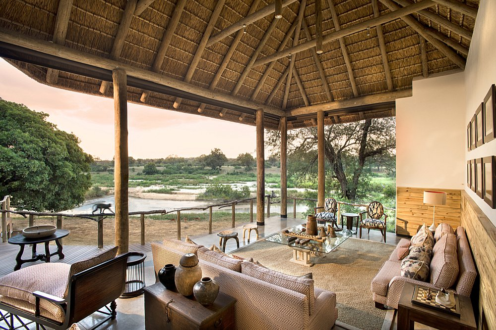 Dulini River Lodge's prime Sand river location