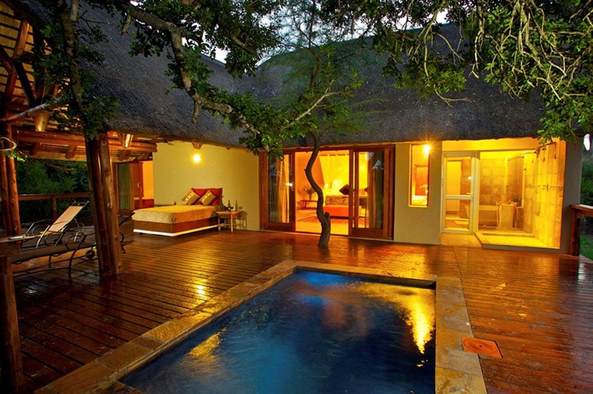 Elephant Plains Honeymoon suite