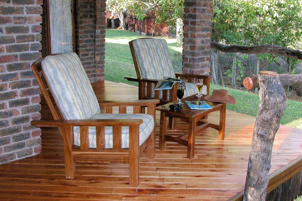 Idube Safar Chalet deck in garden