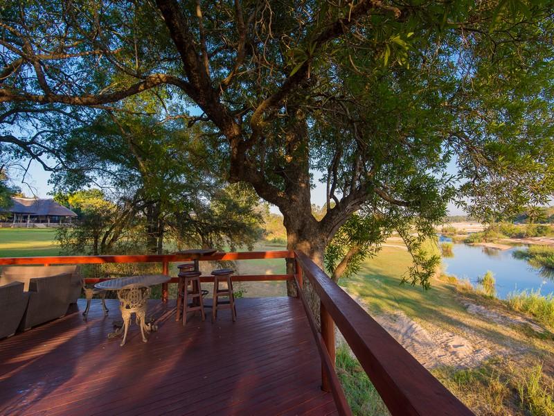 Inyai deck overlooking Sand River
