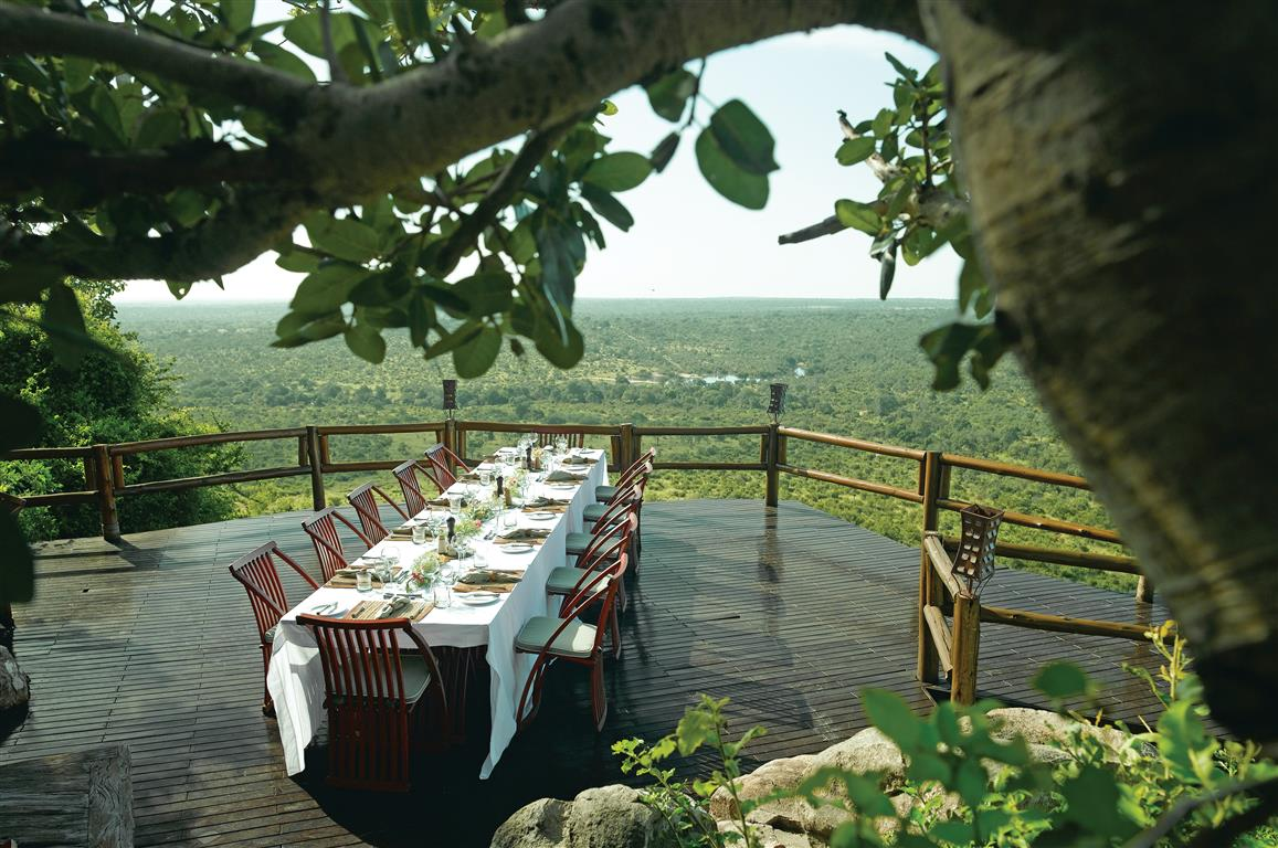 Dinner with a view at Ulusaba Rock Lodge