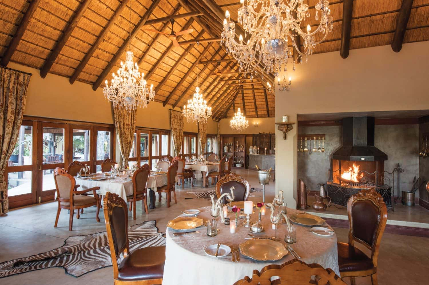 King Camp dining room