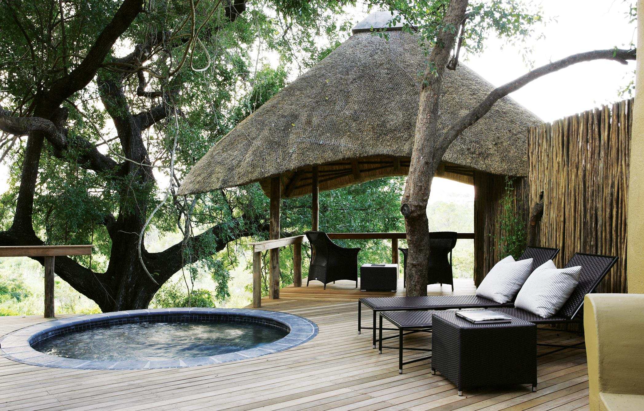 Varty Camp standard suite deck plunge pool and lapa