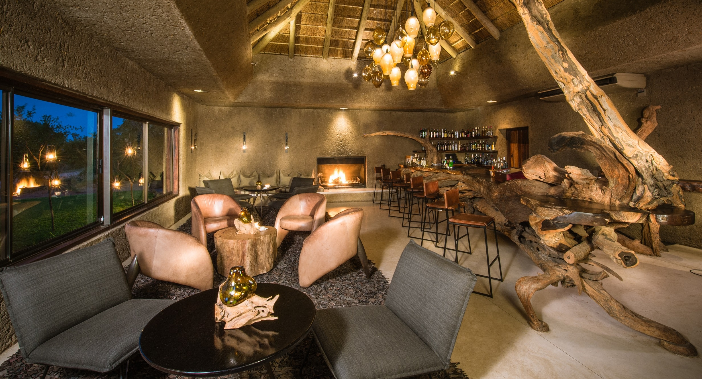Sabi Sabi Earth Lodge bar