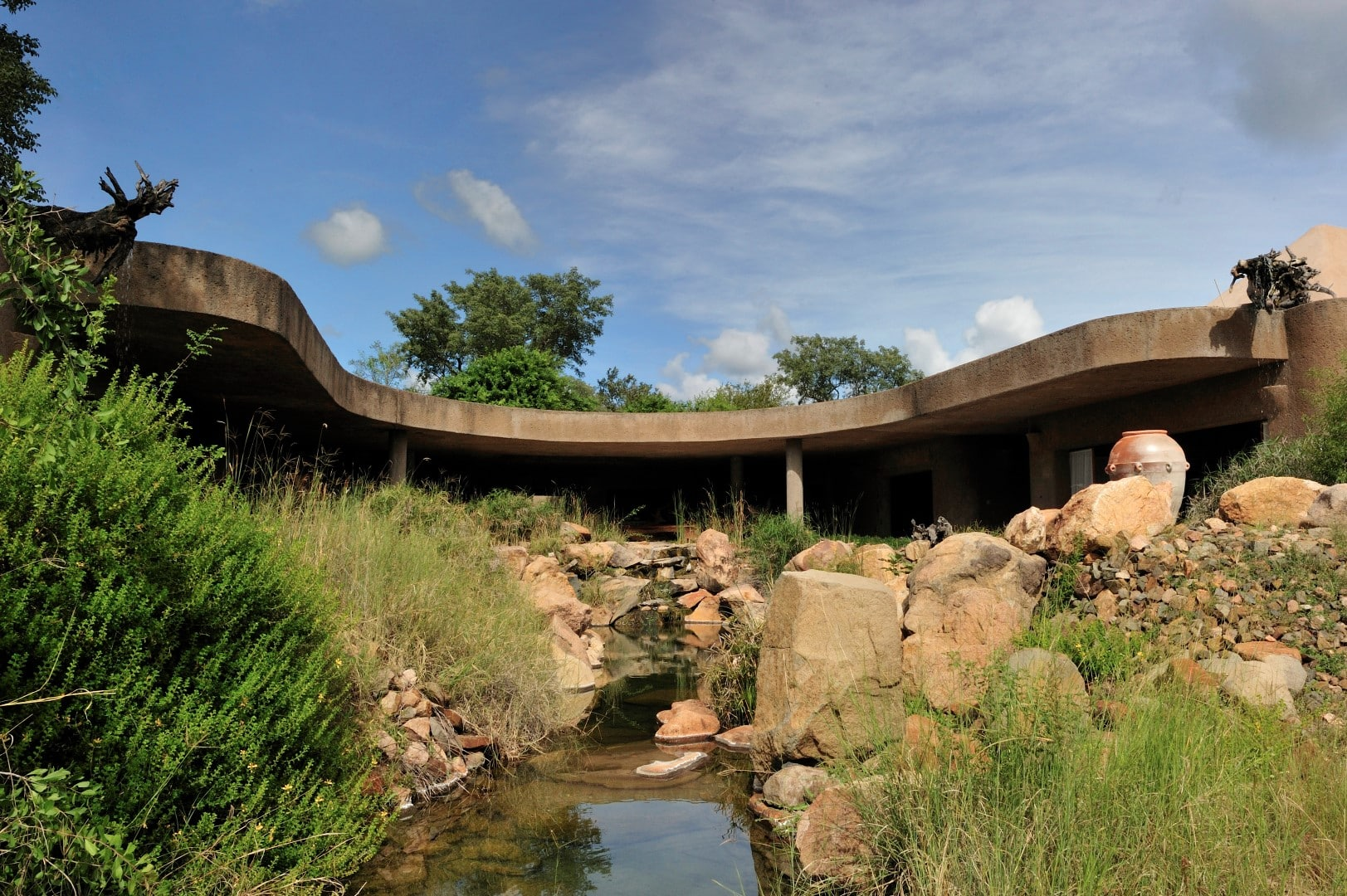 Sabi Sabi Earth Lodge exterior