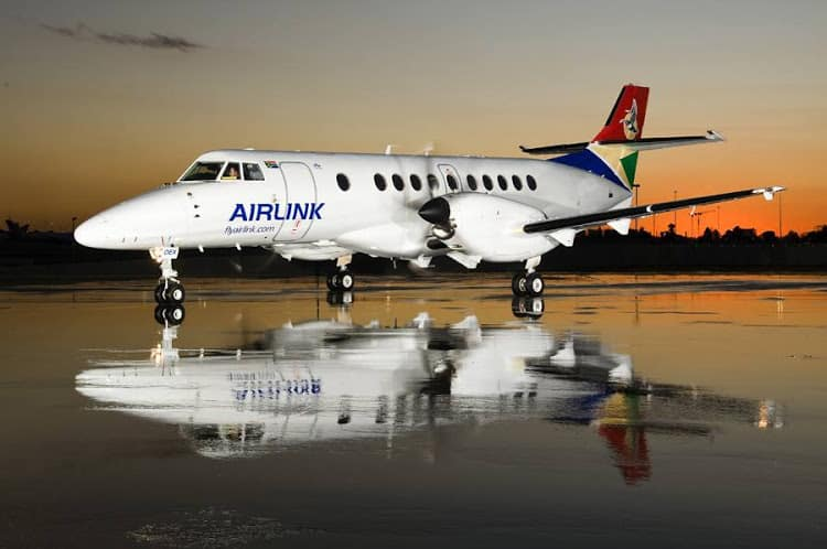 Airlink turbprop at night