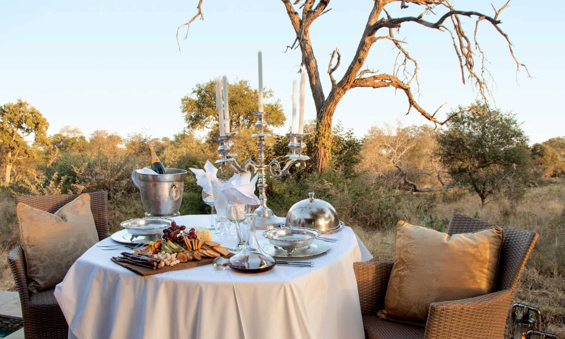 DIning in the bush at Kings Camp