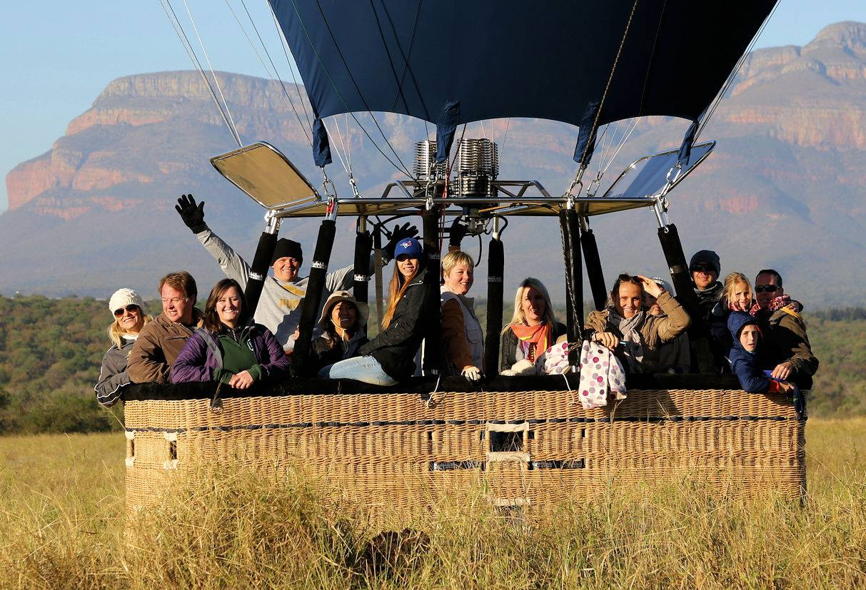 Hot air baloon launch under the Blyde Canyon
