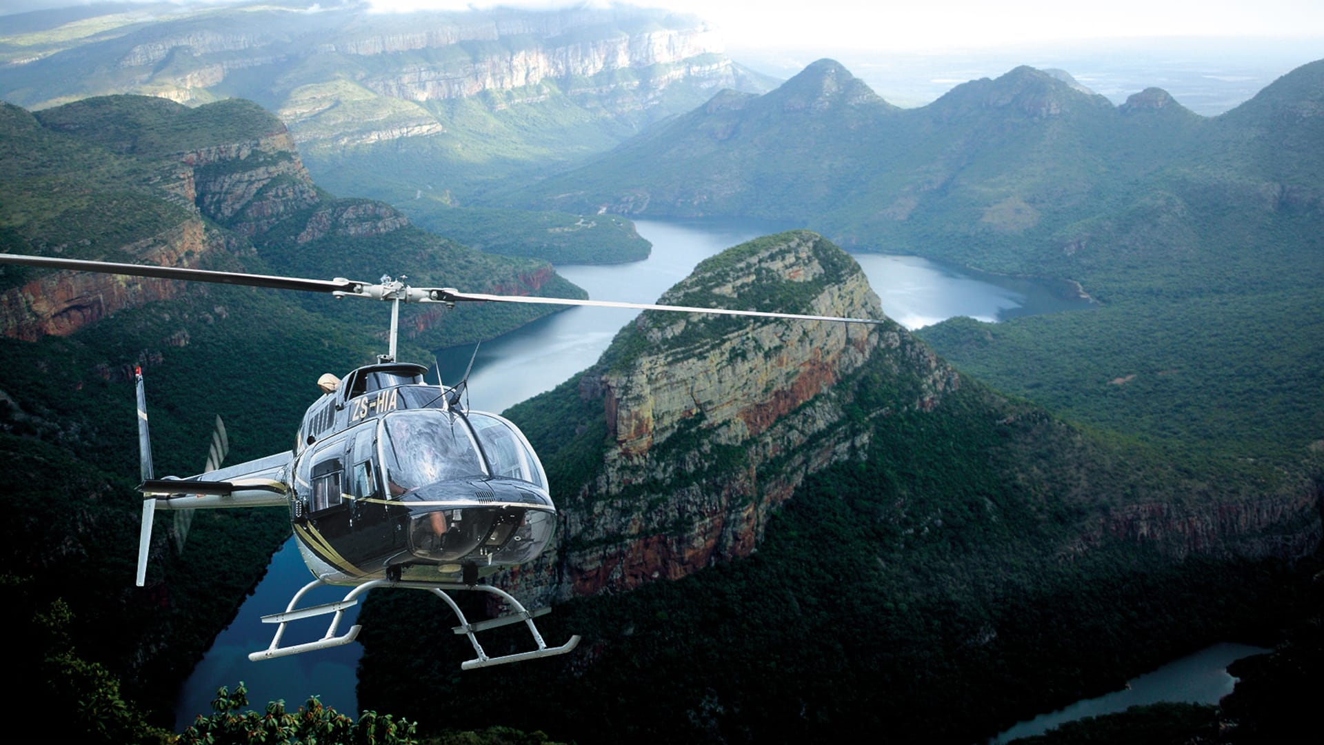 Helicopter f lip over the Blyde Canyon