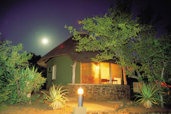 Olifants restcamp rondavel at night